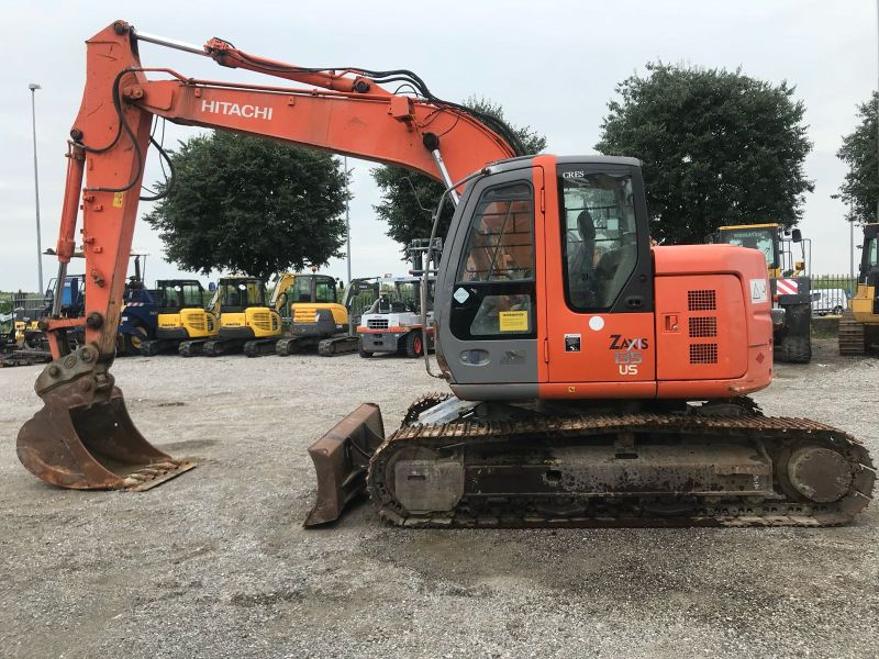 HITACHI ZAXIS ZX 135 US