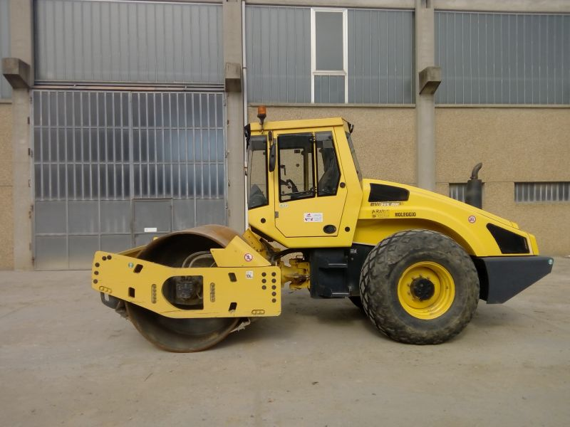 Rullo Bomag BW213DH-4 8